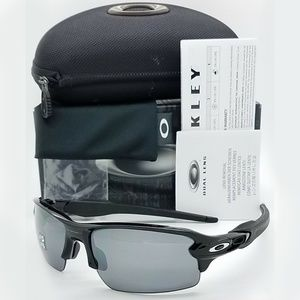 Oakley  Sunglasses Black Iridium Polarized Lens